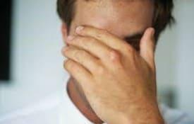 Empregado que sofria cobrança vexatória por metas receberá danos morais