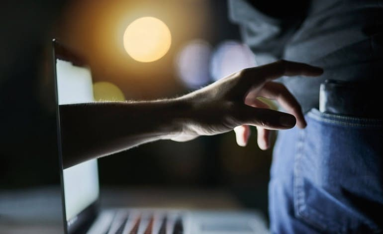 Artigo 'Entenda agora o que são crimes virtuais!'