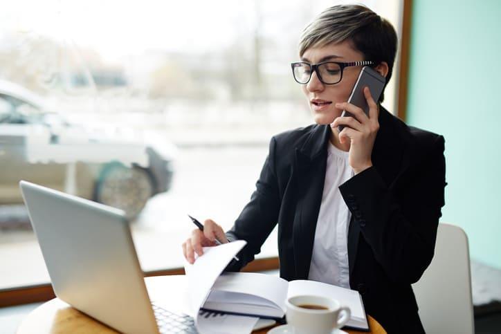 Entenda o papel do advogado especialista em estelionato e saiba se defender