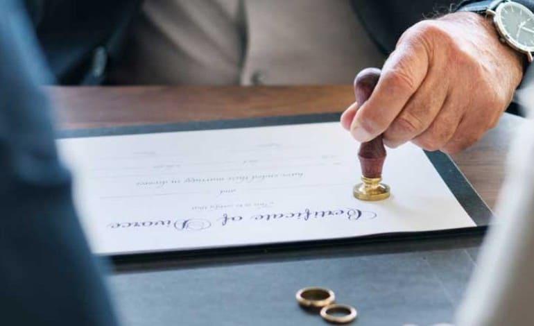 Artigo 'Advogado especializado em divórcio'