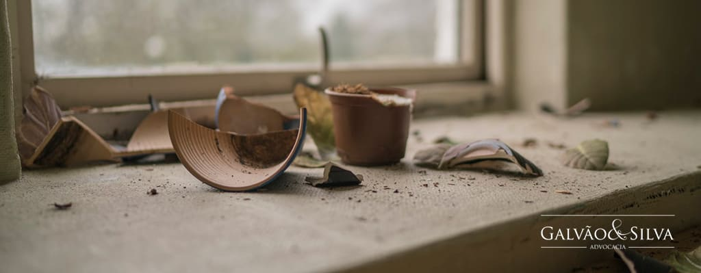 Violência doméstica - Casa quebrada após briga